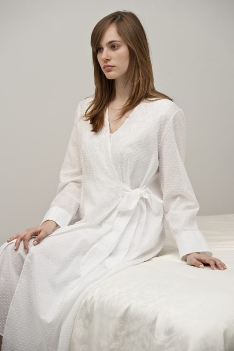 Negligè Roberta Lunga Cotton Plumetis, lenght 53,1, Long Sleeve or Short Sleeve S-M-L-XL in colors White all made in Italy